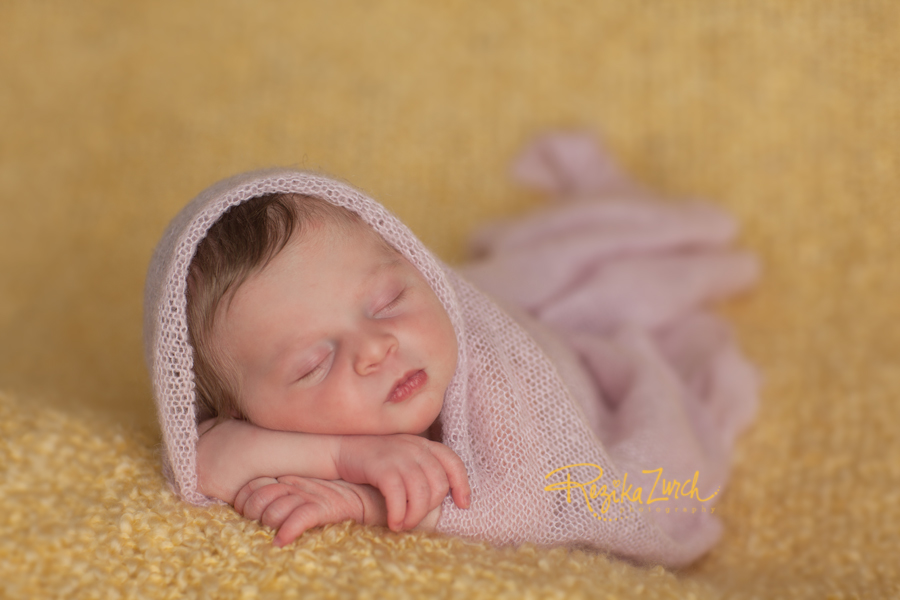 Edmonton Newborn Baby Photographer, Rezika Zurch Photography