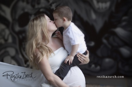 edmonton_maternity_photographer_mom_and_son
